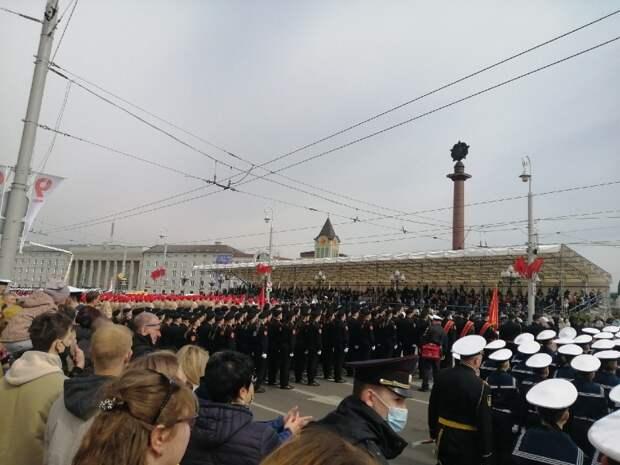 Более 2,4 тысячи военных приняли участие в калининградском параде Победы