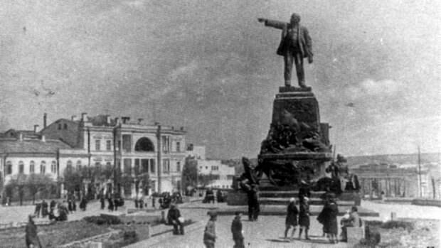 Снос памятника Нахимову, проверка квартрир на перепланировки и российская вакцина в ЕС