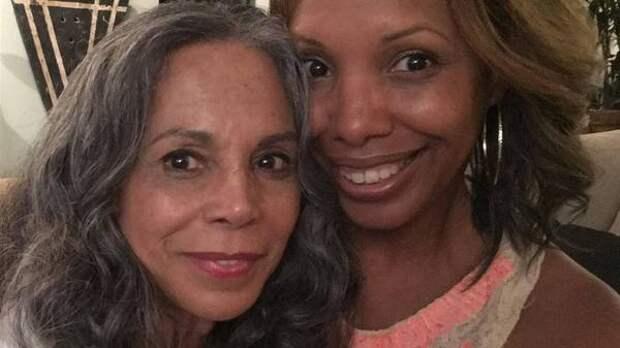 Голливудская актриса встретилась с дочерью, отданной на усыновление 50 лет назад