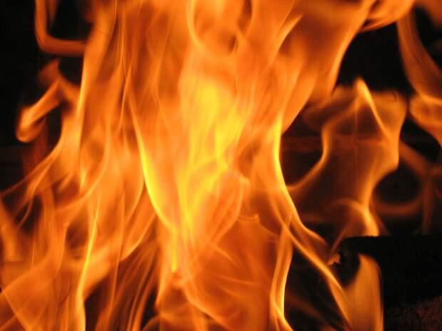 Керчанин обиделся на своего дядю и поджог его машину