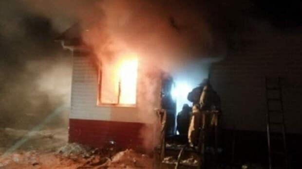 Кинулся в огонь за дочкой: омич погиб при пожаре, спасая свою семью