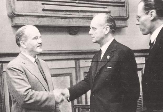 Что стало с советскими дипломатами в Германии после нападения Гитлера