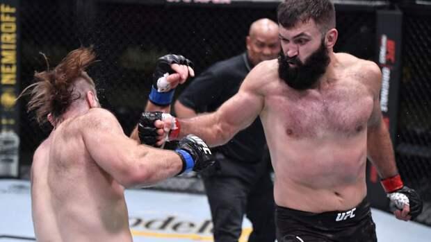 Орловский выиграл бой против Шермана на турнире UFC