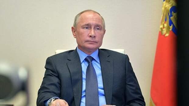 Путин постоянно получает доклады о ситуации с коронавирусом