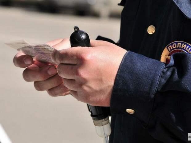 В ГИБДД пообещали заводить уголовные дела за скрытые микрофоны на экзаменах
