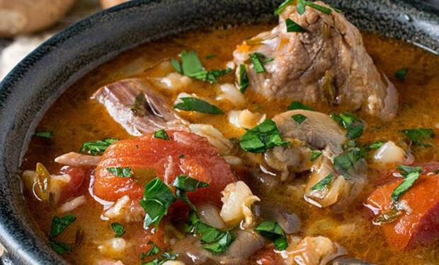Ребрышки с картошкой и овощами: густой суп заменяет и первое, и второе
