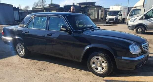 13-летнюю «Волгу» с мотором от Chrysler продают в Санкт-Петербурге за 750 000 рублей