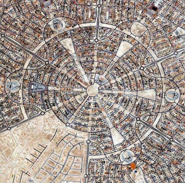 2. Аль Фалах, Абу-Даби, ОАЭ фото со спутника, фотограф Бенджамин Грант, фотографии
