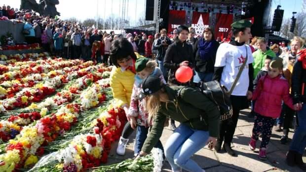 «Установка сверху». Почему полиция Латвии решила сорвать шествие «Бессмертного полка»