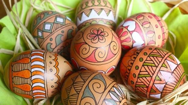 Подсчитаны грядущие затраты петербуржцев на праздничный стол к Пасхе