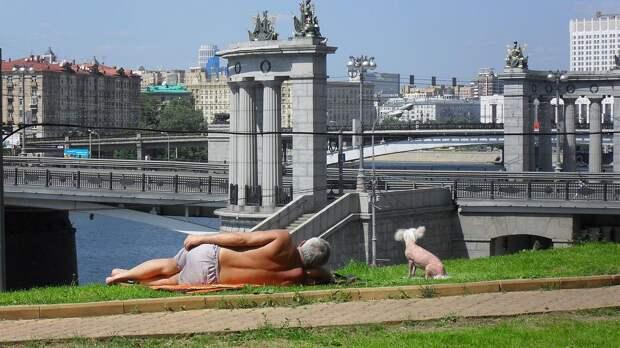 Об аномальной жаре в ближайшие дни предупредили метеорологи