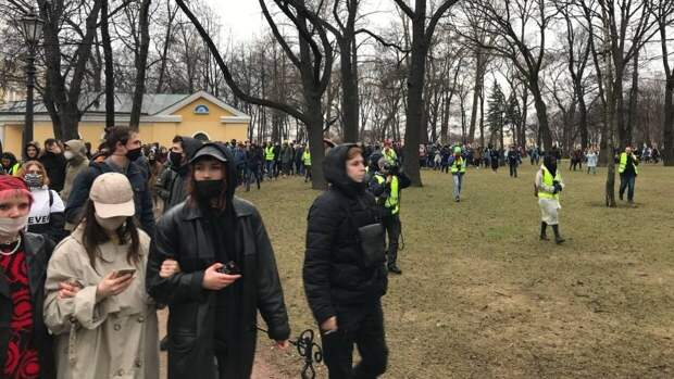 Политолог заявил об угасающем интересе сторонников к личности Навального