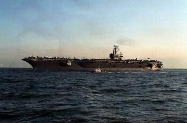 В Китае обеспокоены появлением сразу трех авианосных кораблей США в регионе