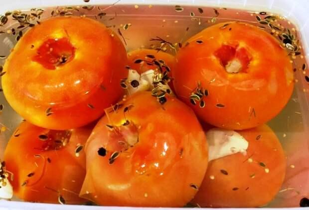 Квашеные помидоры делаю за 2 дня. Готовлю в контейнере, а на вкус бочковые