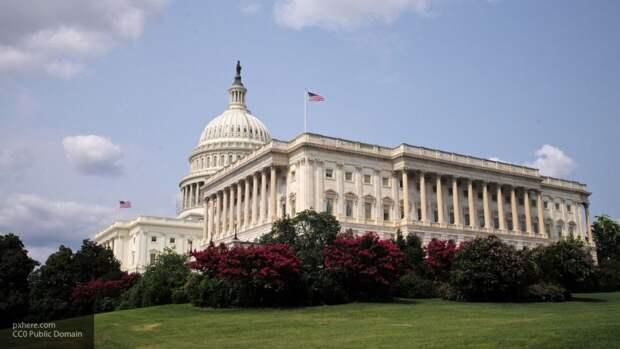 """Политолог Шаповалов: тезис о """"российском вмешательстве"""" является частью инфовойны США"""