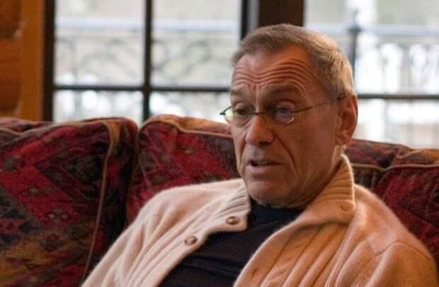 Кончаловский отреагировал на новость о голливудском ремейке «Иронии судьбы»