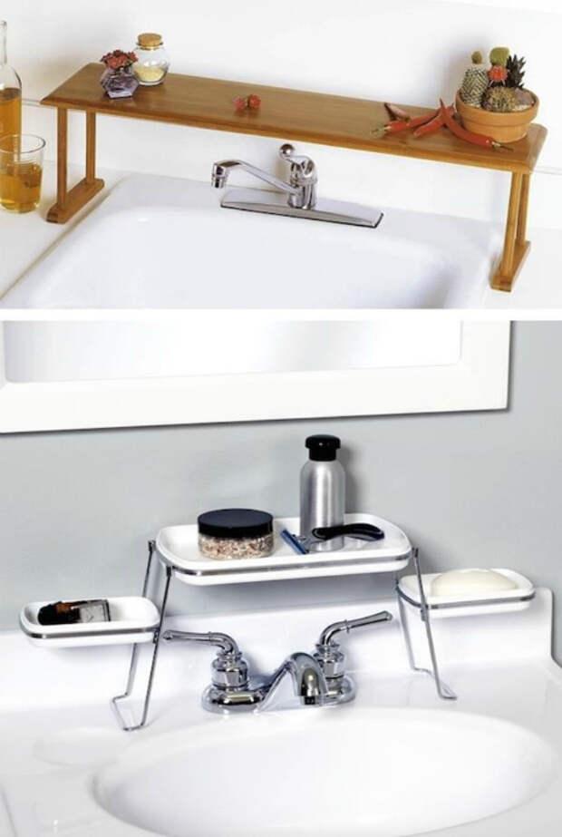 Полки для ванны и раковины.