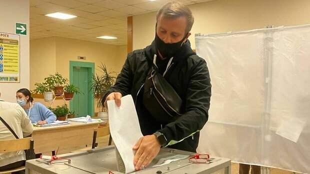 Актер театра и кино Игорь Огурцов проголосовал в Химках