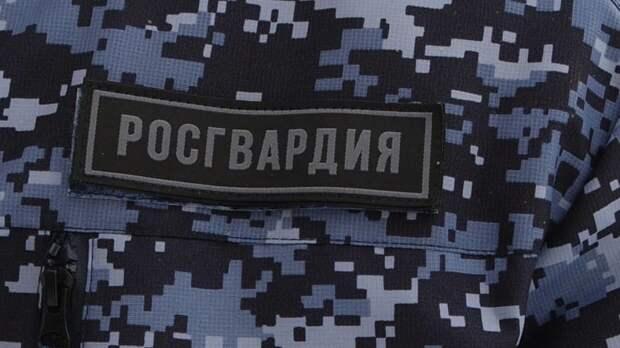 Пострадавший при стрельбе в Екатеринбурге росгвардеец был ранен в ногу