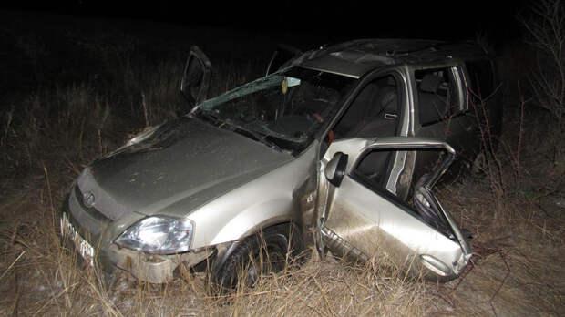 Мужчина в Тверской области угнал машину у собутыльника