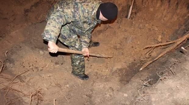 Симферополец убил и закопал трупы двоих мужчин