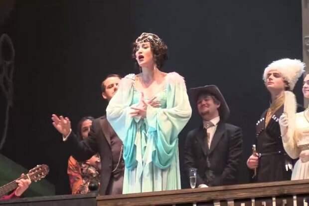 Геннадий Зюганов требует, чтобы Министерство культуры разобралось с выступлением Бузовой на сцене МХАТа