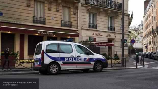 Автомобиль протаранил толпу людей во Франции