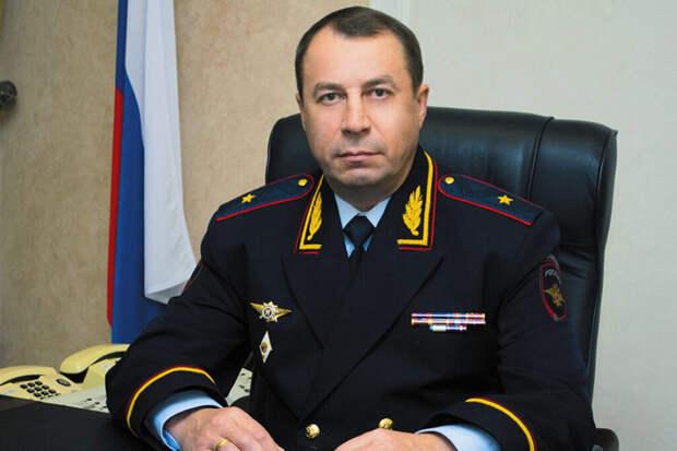 Экс-глава ГУМВД Ставрополья прикрывал владельца «золотого дворца» Сафонова