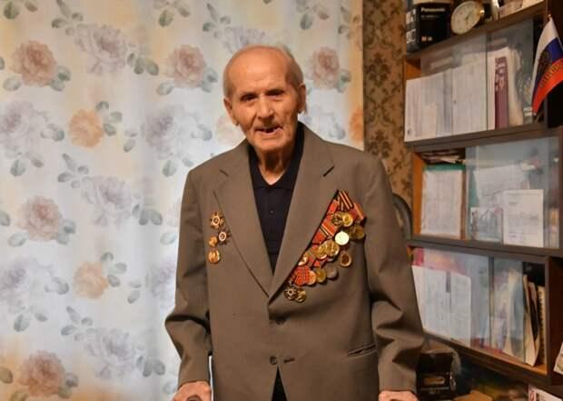 Ветеран Николай Бычков живет в Южнопортовом / Фото: Денис Афанасьев