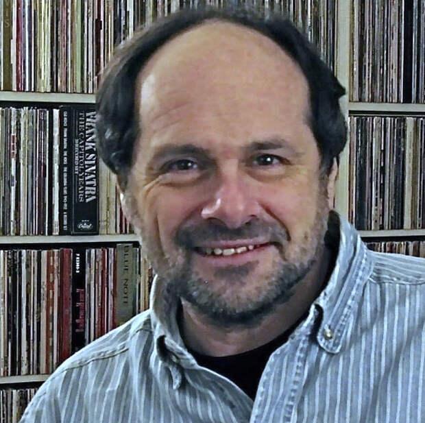 В Нью-Йорке в возрасте 68 лет умер известный музыкальный критик и журналист Джим Бессман