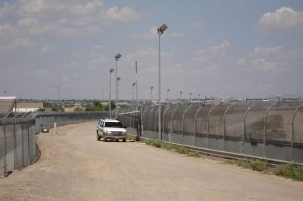Байден планирует ускоренно депортировать мигрантов — СМИ