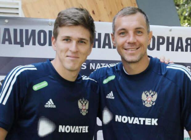 Дзюба «по-отечески» поздравил Соболева с первым голом за сборную России