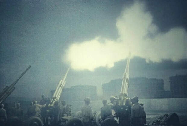 «На нас — одиннадцать бойцов — шло более взвода немцев. Завязался бой», — рассказ Героя Советского Союза Петра Панежда
