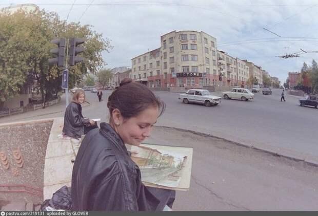 Признаки рынка: ресторан и кожаные куртки... Ижевск, площадь Пастухова, 1993. история, факты, фото