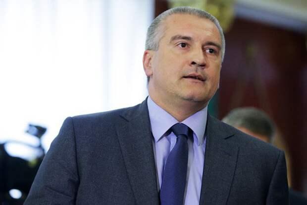 Аксенов: США создали на Украине «диванную армию»