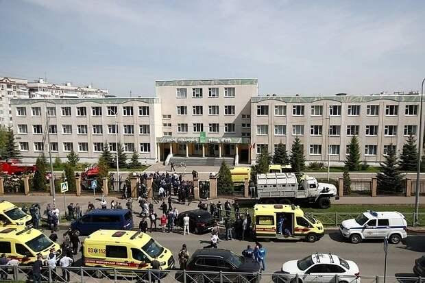 «Вахтерша пускала всех, кого знает в лицо»: ученик рассказал, как охраняли казанскую школу, где произошла стрельба