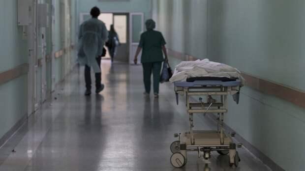 Медики госпитализировали четырех человек после ЧП на месторождении в ХМАО