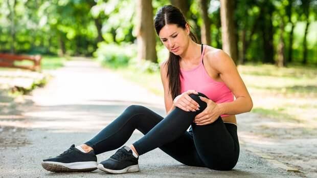 Почему болят колени и как их тренировать в домашних условиях