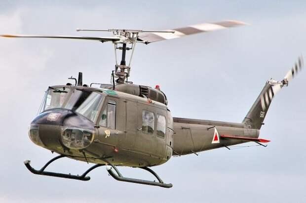 Вертолёт ВМС США совершил аварийную посадку на юге Японии
