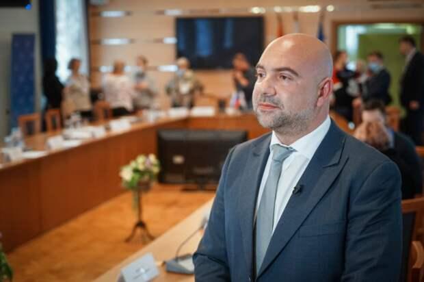 Баженов высказался о новых штрафах за жестокость к животным. Фото: Максим Манюров