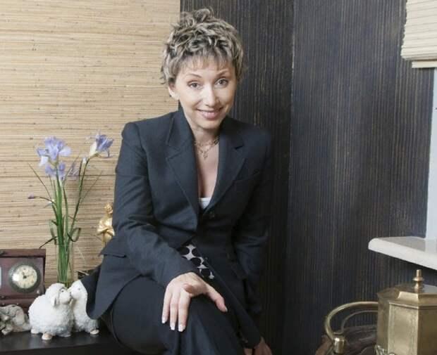 Елене Воробей потребовалась операция из-за полученной на концерте травмы