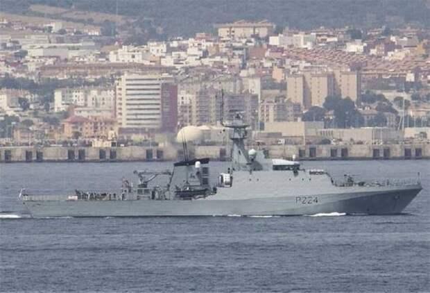Вошедший в Черное море британский патрульный корабль Trent направился в Одессу