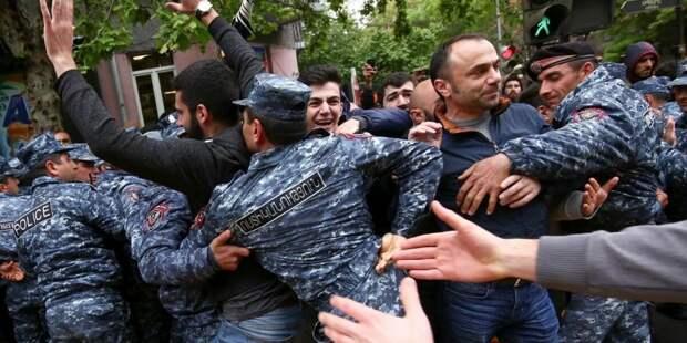 Вот тебе и союзнички. Армения одобрила санкции против России