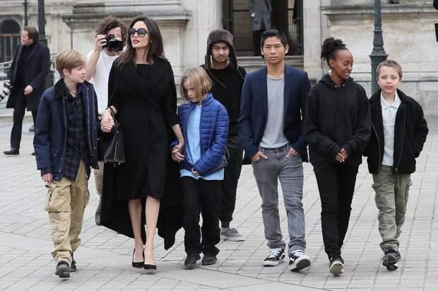 Анджелина Джоли рассказала о причинах развода с Брэдом Питтом