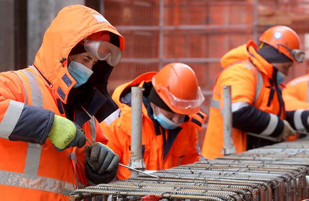 Строители и ФСИН обсудят возможность замены мигрантов на стройках заключенными