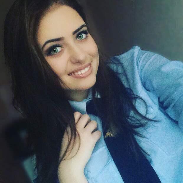 Улыбка иногда действует лучше, чем резиновая дубинка или наручники девушки, красота, курсанты, мвд, полиция, россия, форма
