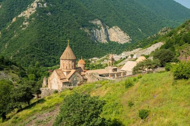 Пашинян предал не только Армению, но и ее многовековую историю.