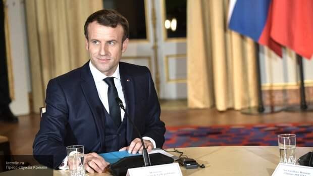 Глава Франции заявил о необходимости жесткой цензуры в Сети
