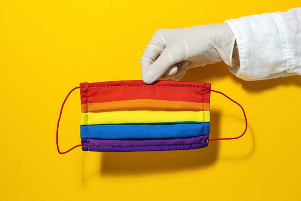 Мясников сравнил антипрививочников с геями