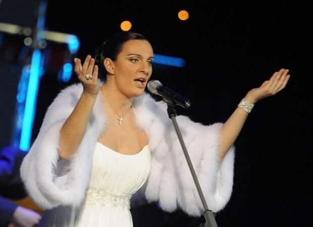 Ваенга не может петь